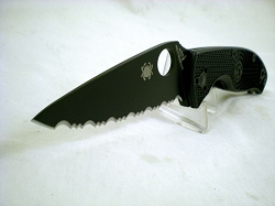 Spyderco Tenecious, 8Cr13MoV Stainless Steel, Blacked Out, Serrated